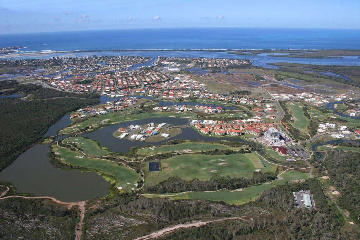 Pelican Waters Course